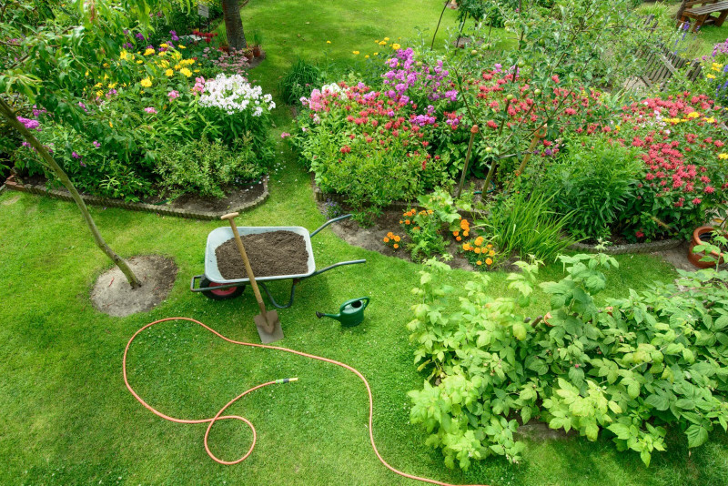 Summer Seasonal Tips: Close Out Summer and Kickoff Fall with a Healthy Spruced-up Yard